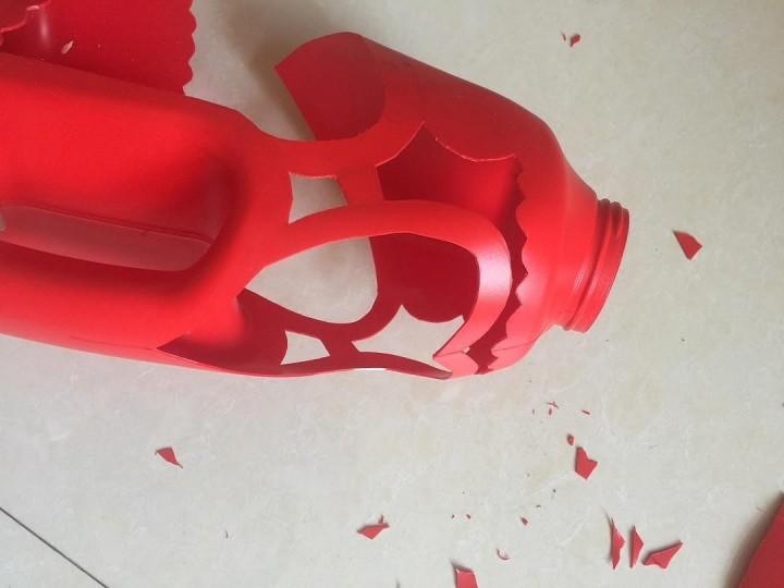 洗衣液瓶子做花盆图片